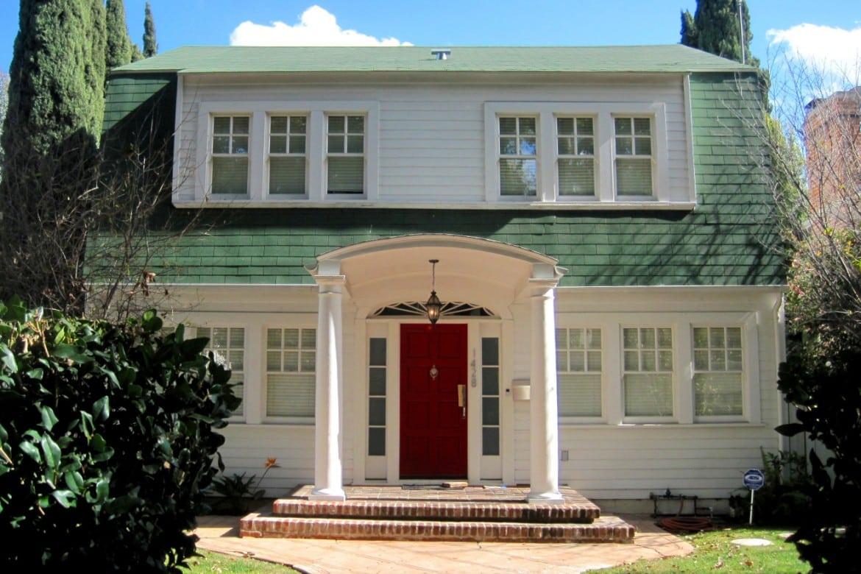 house-street-vintage-retro-los-angeles-hollywood-on-nightmare-80s-elm_t20_x2m6Kz